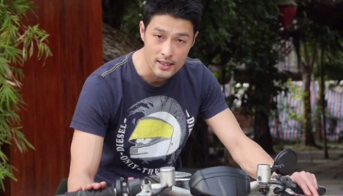Johnny Trí Nguyễn bị tai nạn ở Quy Nhơn, xe 400 triệu đồng vỡ nát