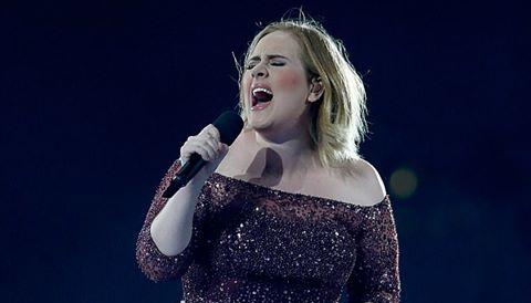 Adele hát tưởng niệm nạn nhân vụ khủng bố London