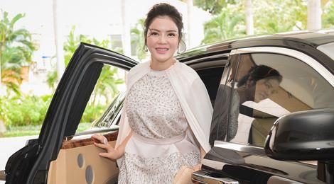 Hồ Ngọc Hà, Lý Nhã Kỳ nổi bật giữa dàn mỹ nhân Việt ở sự kiện