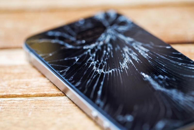 Màn hình smartphone tự chữa lành vết nứt