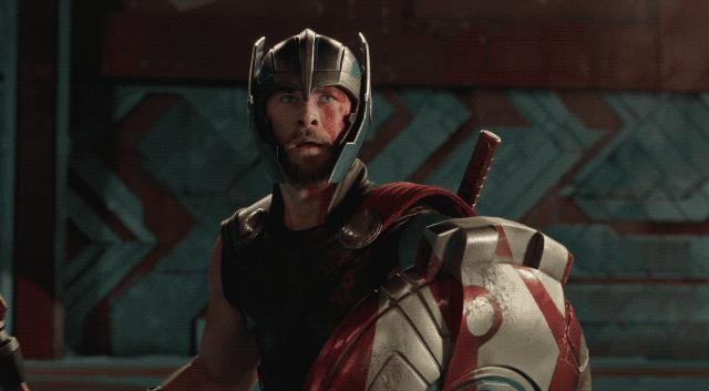 """""""Thor: Ragnarok"""" ra mắt trailer đầu tiên: Thần Sấm đụng độ Hulk"""