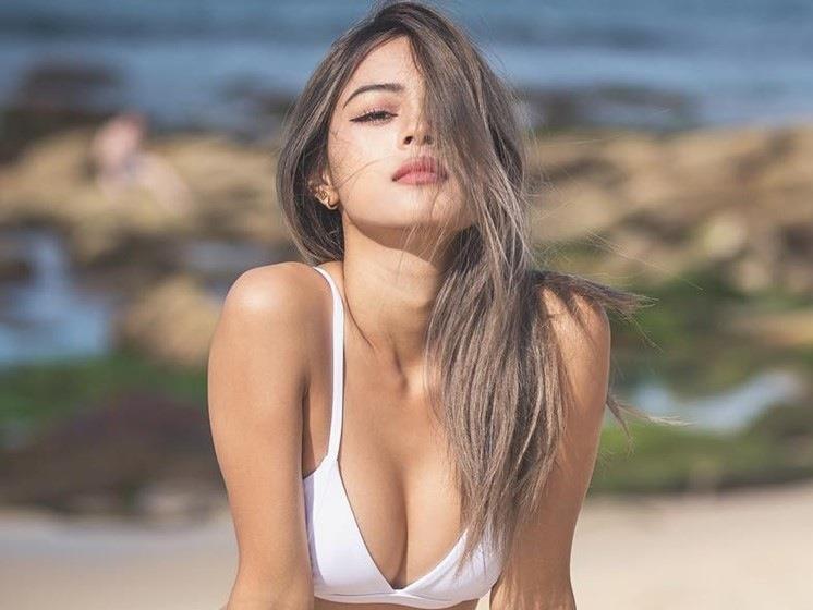 Vì sao 9 hot girl này nổi đình đám trên mạng xã hội?