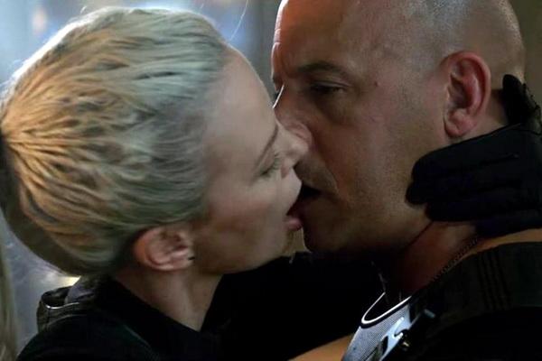 """Charlize Theron kể về nụ hôn với Vin Diesel trong """"Fast & Furious 8"""""""