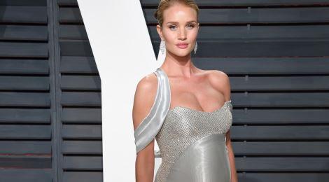 Thời trang bầu sành điệu của bạn gái tài tử Jason Statham