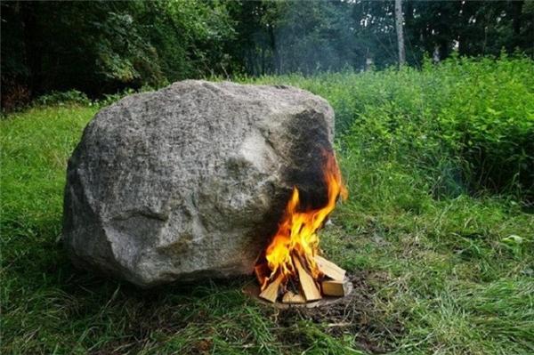 Giải mã bí ẩn của tảng đá khi được đốt nóng sẽ phát ra wifi