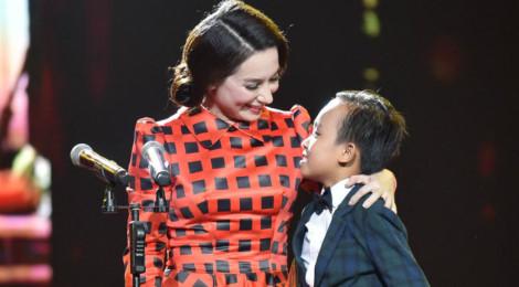 Phi Nhung hạn chế cho Hồ Văn Cường chạy show