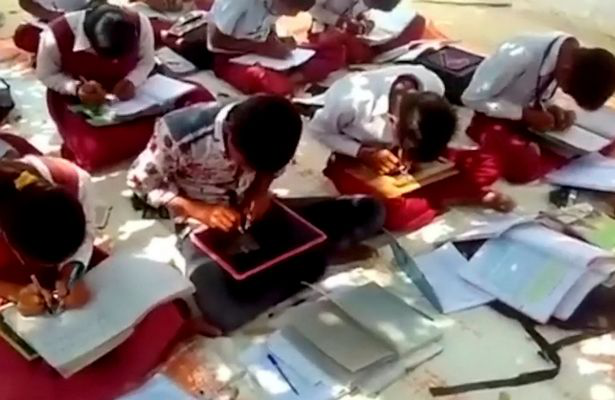 Ngôi trường kỳ lạ với tất cả học sinh đều viết được bằng hai tay