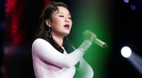 Hot girl 16 tuổi người Hàn tiếp tục gây bùng nổ sân khấu The Voice