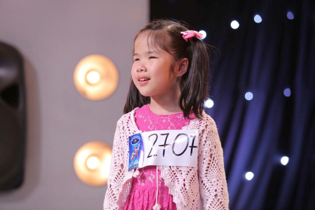 Cô bé khiếm thị gây xúc động tại Vietnam Idol Kids