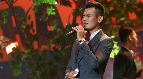 Việt Hương phấn khích khi nghe tiền đạo Phan Thanh Bình hát bolero