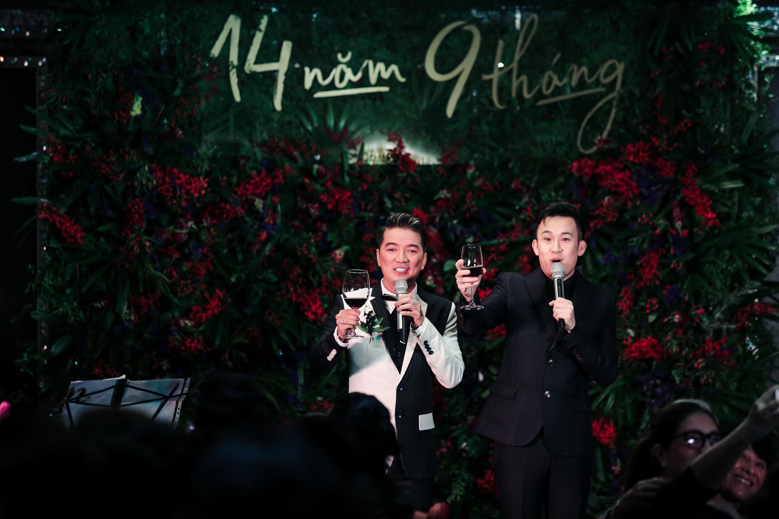 Khung cảnh tiệc tri kỷ như đám cưới của Mr Đàm, Dương Triệu Vũ