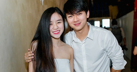 Hoài Lâm dẫn bạn gái Bảo Ngọc cùng đi diễn