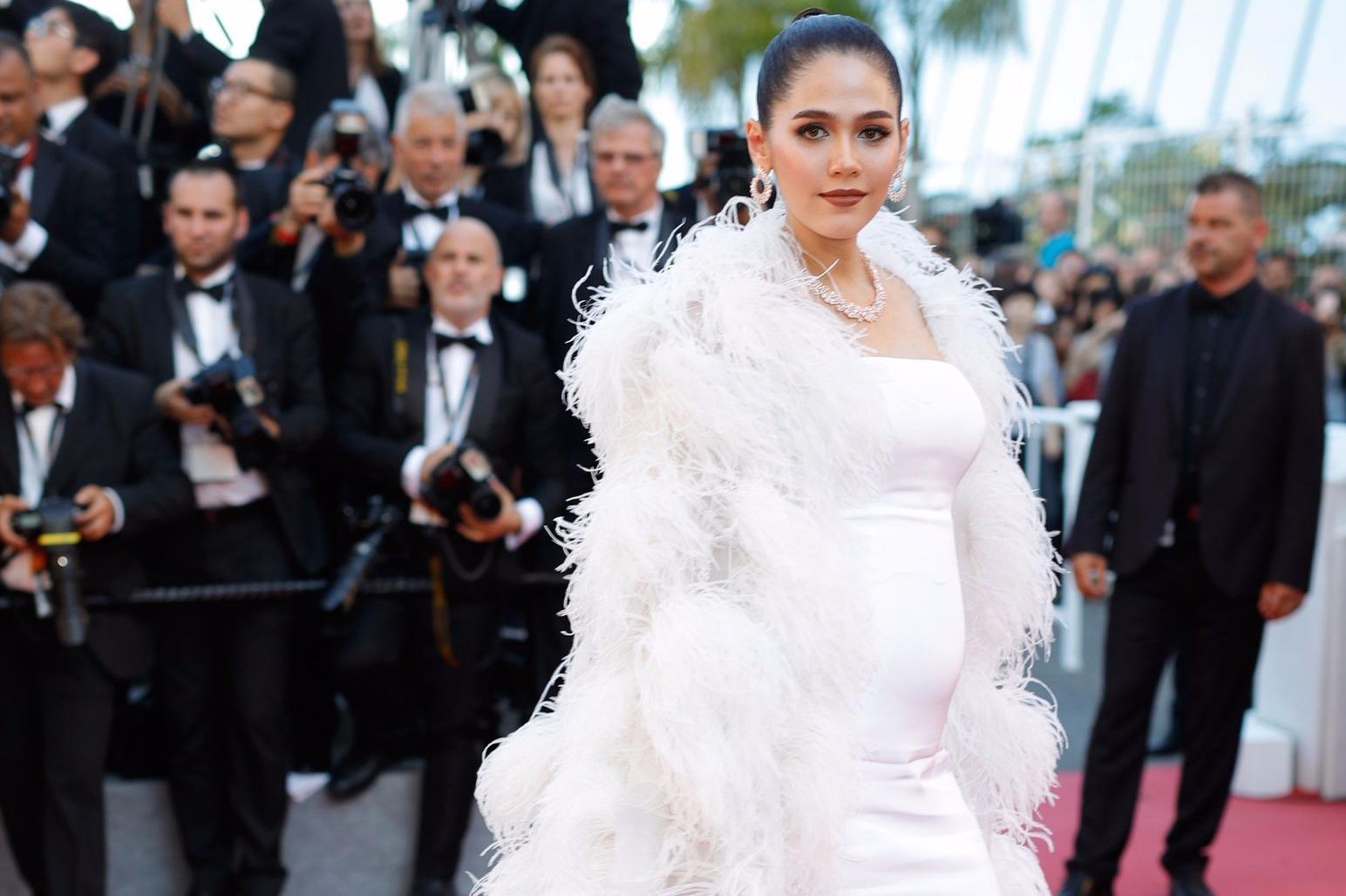 Mỹ nhân Thái được khen mặc đẹp trên thảm đỏ Cannes