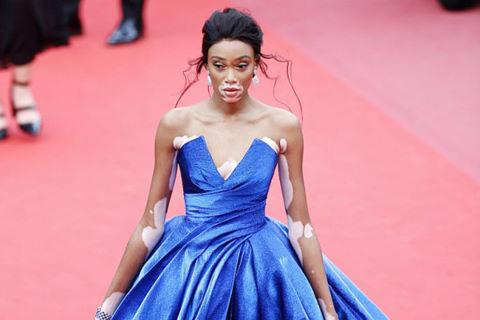 Dàn mẫu quốc tế nổi bật trên thảm đỏ Cannes ngày 2