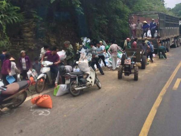 Dùng công nông đi hôi cám sau vụ tai nạn giao thông chết người