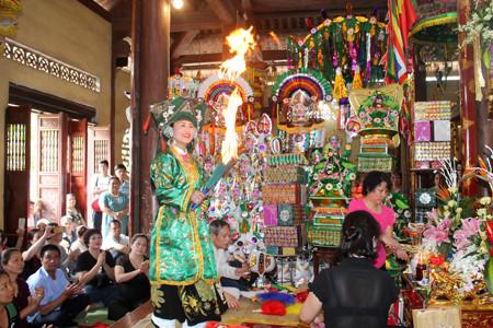 Yên Bái thực hành tín ngưỡng thờ mẫu quảng bá du lịch
