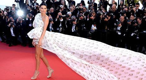 Kendall Jenner là tâm điểm thảm đỏ Cannes ngày thứ tư