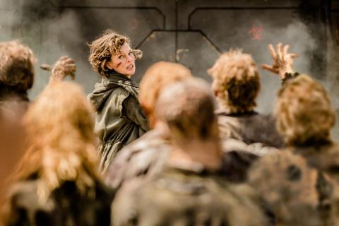 """Loạt phim xác sống """"Resident Evil"""" tái khởi động với sáu tập mới"""