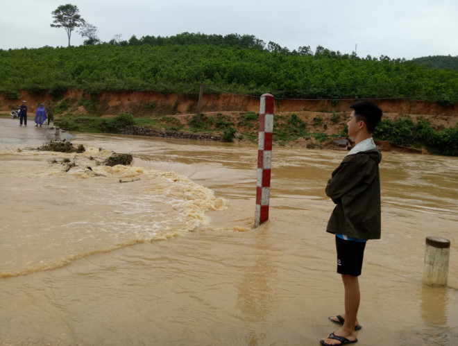 Thanh Hóa mưa lớn kéo dài, nhiều xã miền núi bị cô lập