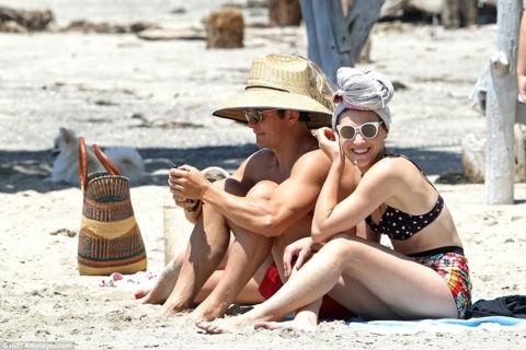 Miranda Kerr lấy tỷ phú, Orlando Bloom trông con