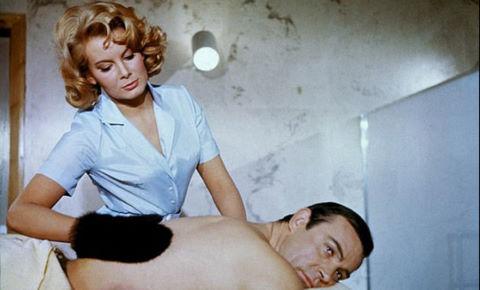 """""""Bond girl"""" của loạt phim """"Điệp viên 007"""" qua đời"""