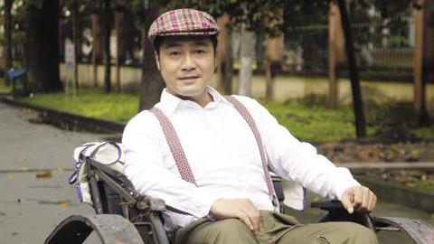 Lý Hùng từng bị điện giật, khán giả say xỉn quấy phá khi diễn tỉnh
