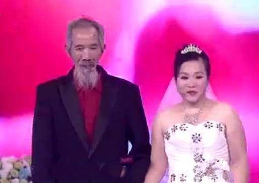 Cô gái lấy chồng bằng tuổi ông và câu chuyện cảm động