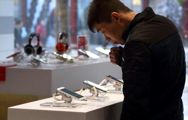 2 SIM và selfie là cách smartphone Trung Quốc lấn lướt Apple, Samsung