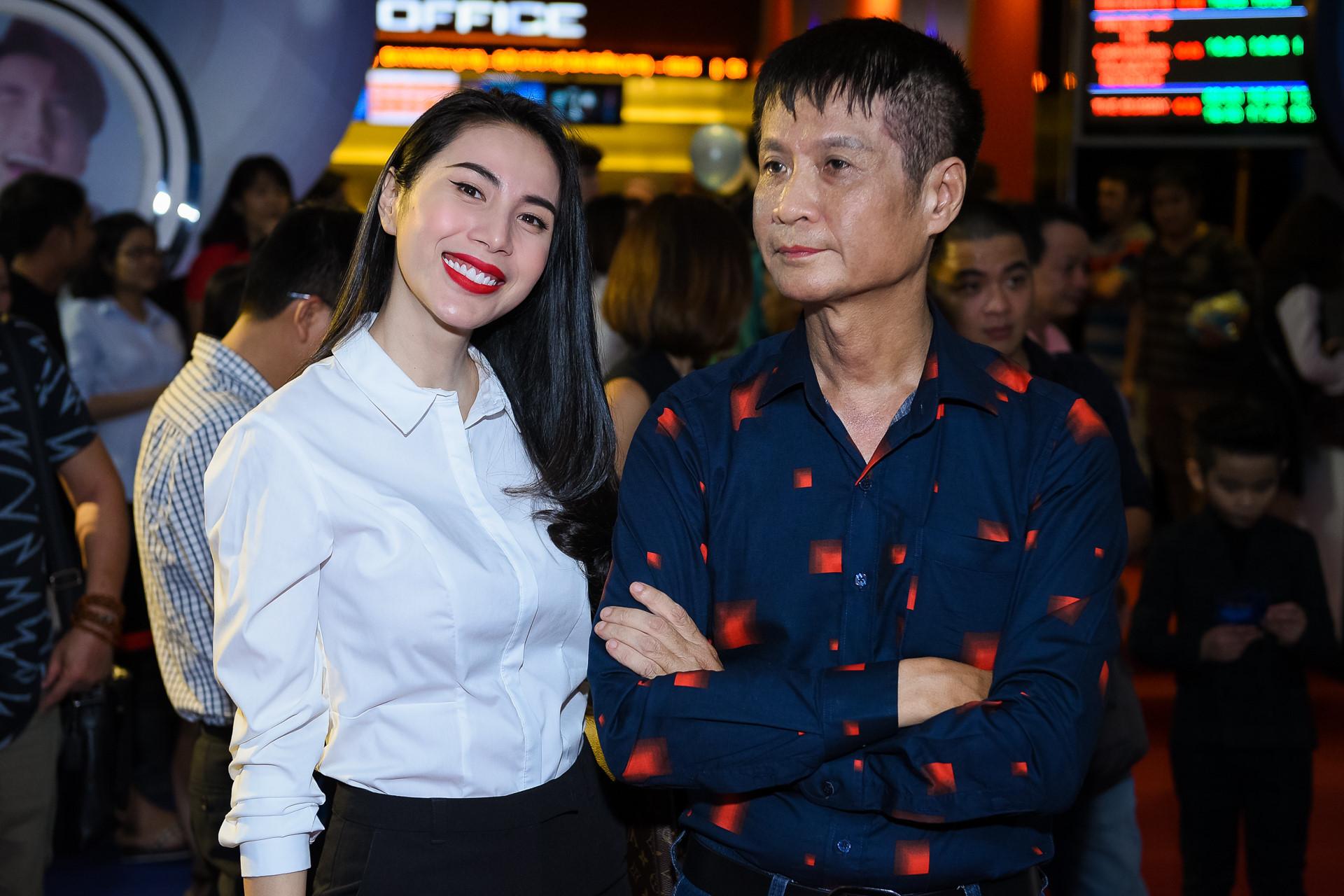Thủy Tiên, Nhã Phương dự ra mắt phim mới của đạo diễn Lê Hoàng