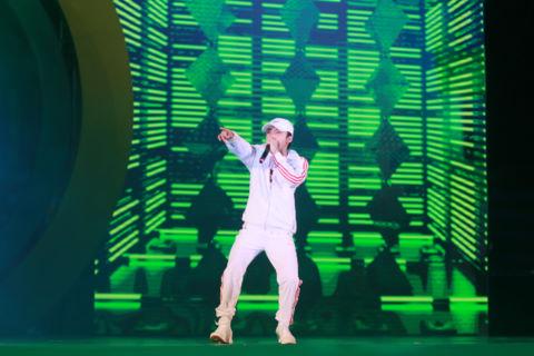 Á hậu Huyền My cùng hàng nghìn khán giả nhiệt tình cổ vũ Sơn Tùng M-TP