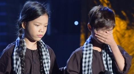 """Dương Triệu Vũ, Minh Tuyết bật khóc vì màn song ca """"Sa mưa giông"""""""