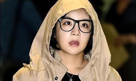 Sao nữ Hàn Quốc tự tử ở Mỹ vì tin đồn ép phóng viên chỉnh ảnh