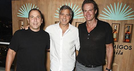 Bán công ty rượu, tài tử George Clooney bỏ túi 233 triệu USD