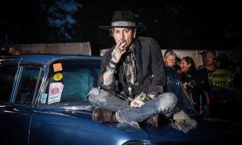 Johnny Depp đùa giỡn chuyện ám sát Tổng thống Donald Trump