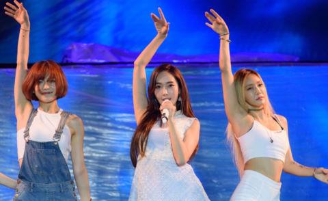 Nhạc sĩ Dương Khắc Linh ám chỉ Jessica Jung hát nhép