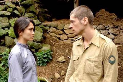 """""""Bầu trời đỏ"""" kể chuyện tình giữa anh lính Pháp và cô gái Việt Minh"""