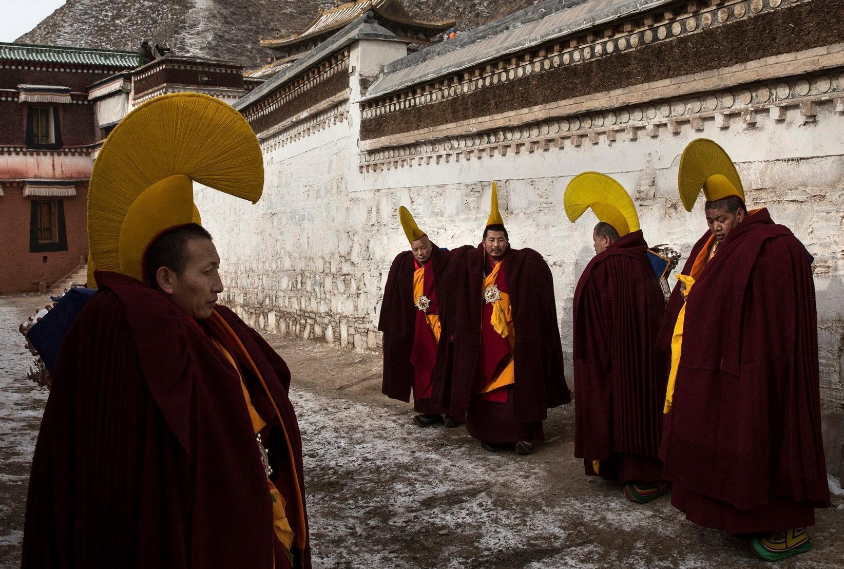 Tu viện 300 tuổi chứa bí ẩn của Phật sống Tây Tạng