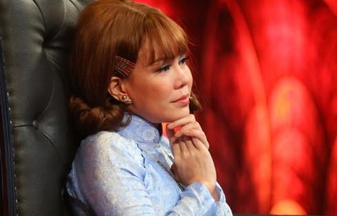 Việt Hương, Vân Sơn khóc vì nhớ mẹ quá cố trên ghế nóng