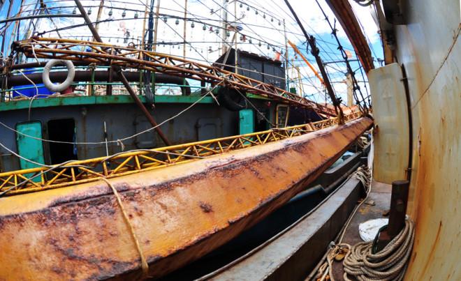 Cam kết sửa tàu cá vỏ thép muộn nhất trong tháng 8