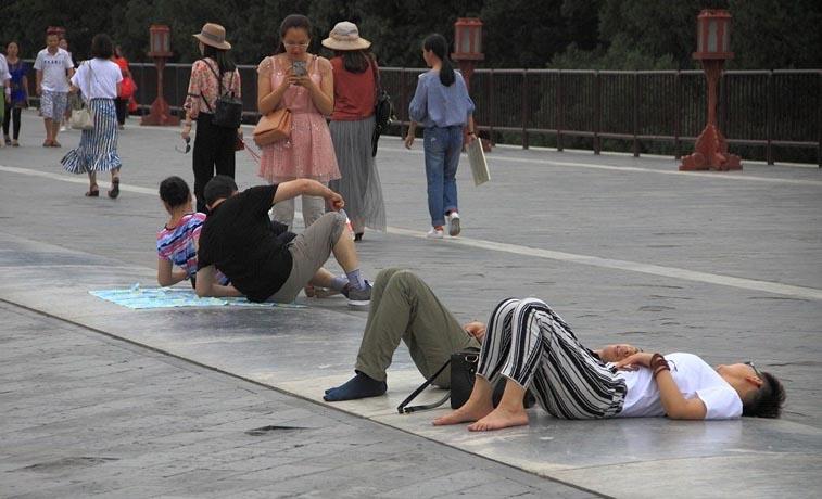 Dân Trung Quốc đổ về đàn tế trời ở Bắc Kinh để chữa bệnh