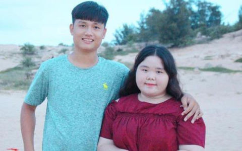 """Chuyện tình """"đũa lệch"""" của nàng 100 kg và anh chàng điển trai"""