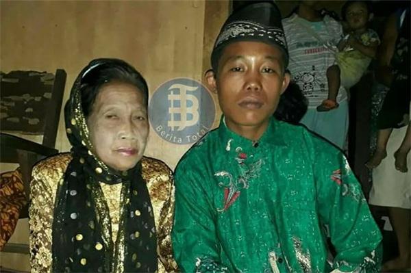 Dọa tự tử, cuối cùng chú rể 16 tuổi và cô dâu 71 tuổi cũng được cưới