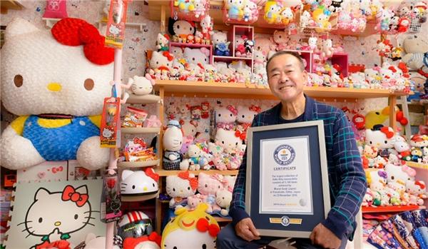 Người sở hữu BST Hello Kitty lớn nhất thế giới là một cảnh sát Nhật