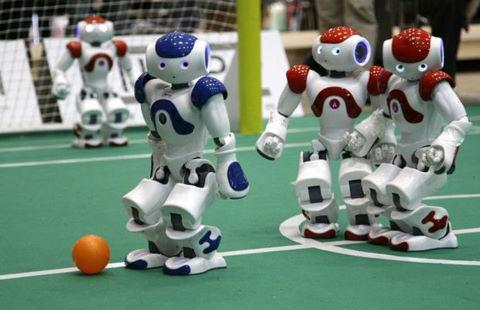 Sau AlphaGo, con người tiếp tục phát triển AI biết đá bóng