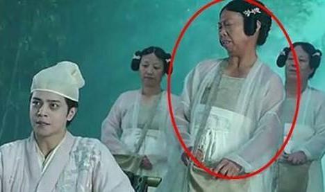 """""""Bác gái xấu xí"""" trong phim Châu Tinh Trì ngày càng nổi tiếng"""