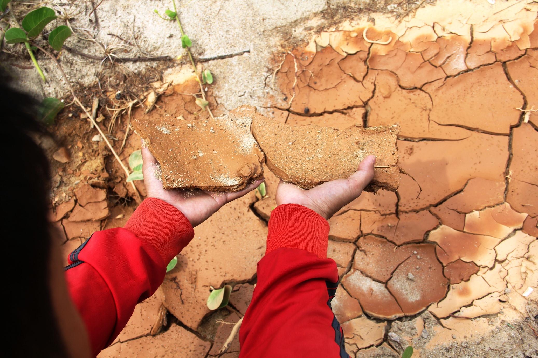 Cận cảnh sạt lở quanh 40 móng biệt thự trái phép trên núi Sơn Trà