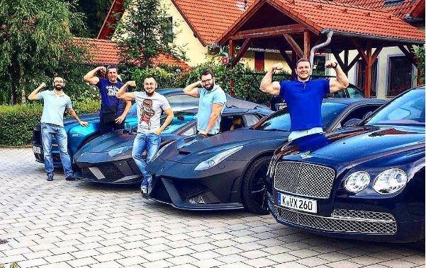 Hội con nhà giàu Ukraine khoe của chẳng kém cạnh ai đâu nhé!