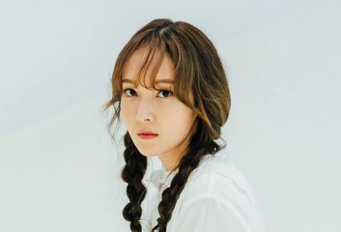 Jessica xác nhận trở lại vào tháng 8, cạnh tranh với SNSD