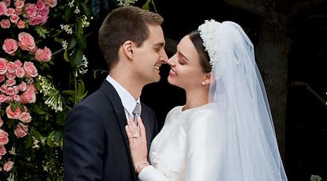 Miranda Kerr tung ảnh cưới sau lùm xùm trả lại kim cương