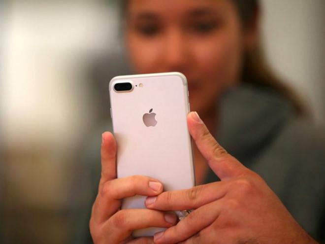 Apple, Google, Facebook đua nhau giết chết smartphone